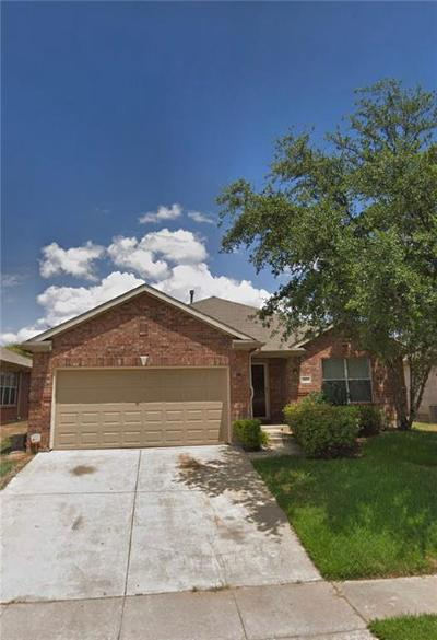 Tarrant County Single Family Home For Sale: 3524 Lake Hill Lane