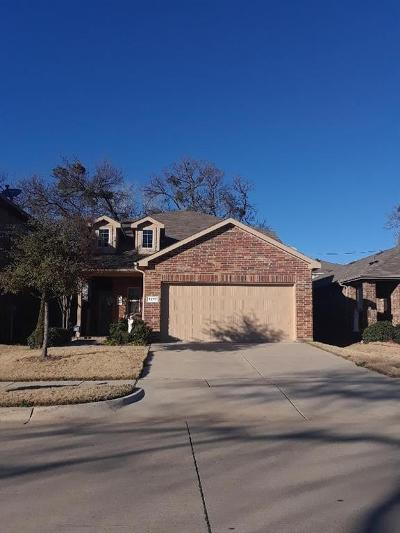 Azle Single Family Home For Sale: 1217 Briarwood Drive