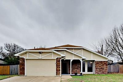 Arlington Residential Lease For Lease: 4608 Fernwood Drive