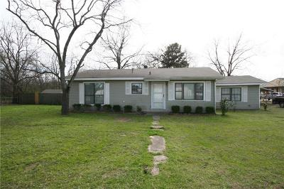 Grand Saline TX Single Family Home For Sale: $105,000