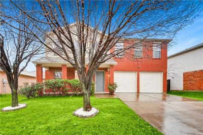Fort Worth Single Family Home For Sale: 8336 Horseshoe Bend Drive