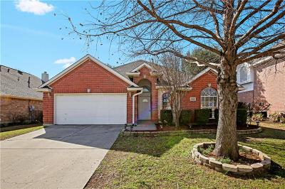 Haltom City Single Family Home For Sale: 5048 Roundtree Court