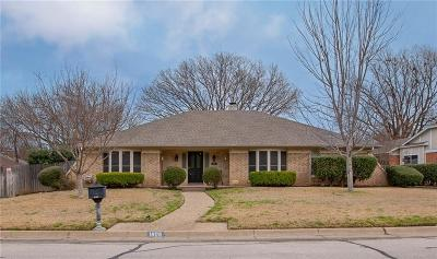 Hurst, Euless, Bedford Single Family Home For Sale: 1905 Lincolnshire Drive
