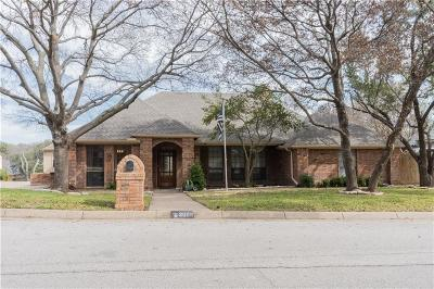 Arlington Single Family Home For Sale: 2005 Lakehill Court