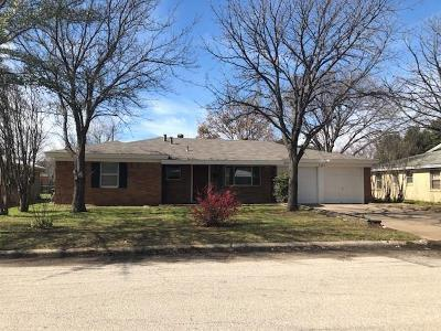 Richland Hills Single Family Home Active Option Contract: 2709 Dogwood Park Drive
