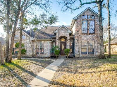 Bedford Single Family Home For Sale: 1400 Briar Drive