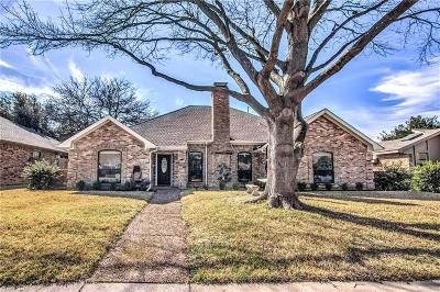 Dallas Single Family Home For Sale: 6408 Barfield Drive