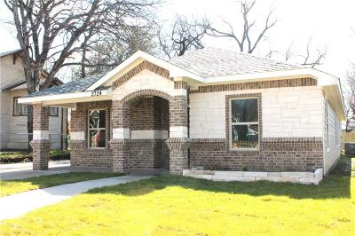 Fort Worth Single Family Home For Sale: 2724 Avenue I