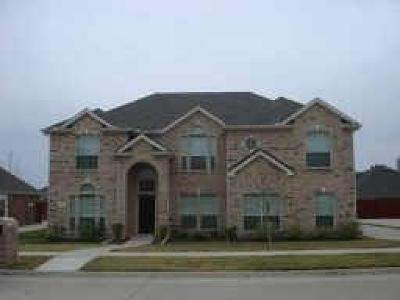 Residential Lease For Lease: 916 Chestnut Court