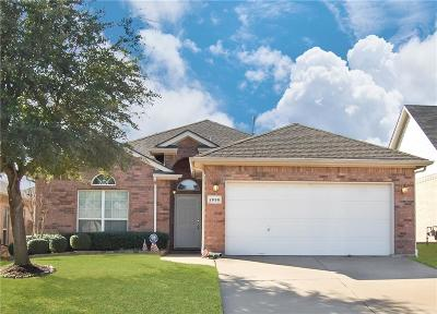 Fort Worth Single Family Home For Sale: 2698 Bull Shoals Drive