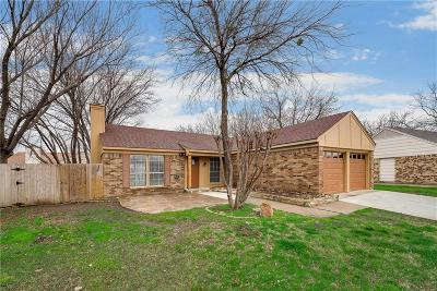 Fort Worth Single Family Home For Sale: 7012 Moss Rose Court