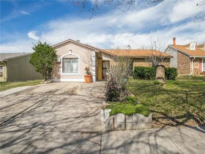 Arlington Single Family Home For Sale: 827 Netherland Drive