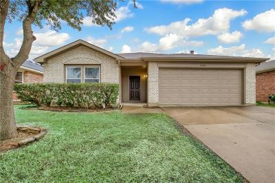 Denton County Single Family Home For Sale: 1569 Chivalry Lane