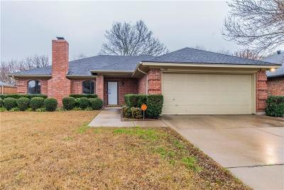 Burleson Single Family Home Active Option Contract: 132 Sunny Meadows Drive