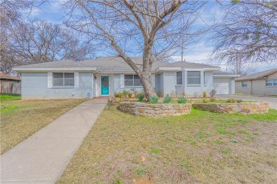 Bedford Single Family Home For Sale: 341 Somerset Circle
