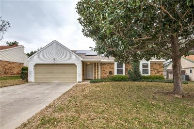 Hurst, Euless, Bedford Single Family Home Active Contingent: 215 Mint Lane