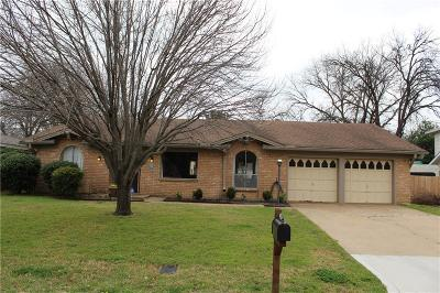 Arlington Single Family Home For Sale: 2104 Monaco Drive