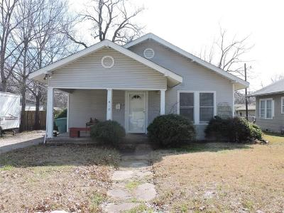 Sherman Single Family Home For Sale: 818 W Fischer Street