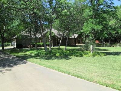 Fort Worth Single Family Home For Sale: 6401 Feather Wind Drive