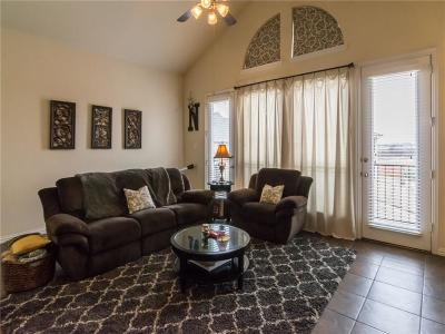 Irving Townhouse For Sale: 1955 Longmeadow Hill Drive