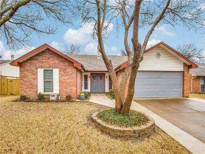 Bedford Single Family Home For Sale: 3804 Hackberry Lane