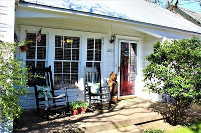 Mineral Wells Single Family Home Active Option Contract: 2303 NW 3rd Avenue