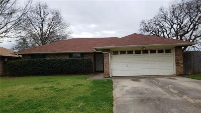 Euless TX Single Family Home For Sale: $190,000