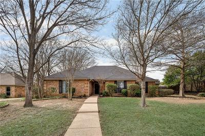 Grapevine Single Family Home For Sale: 2702 Twin Creek Cove