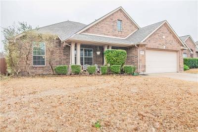 Saginaw Single Family Home For Sale: 841 Hemlock Trail