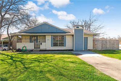 Grand Prairie Single Family Home For Sale: 2325 Tyre Street