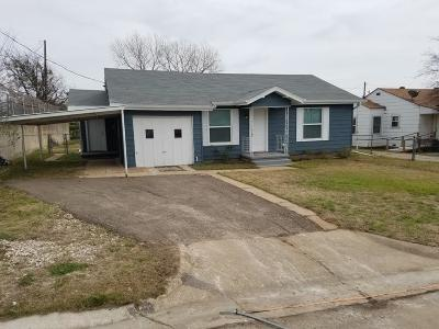 Jacksboro Single Family Home For Sale: 111 S 5th Street