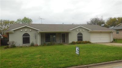 Haltom City Single Family Home For Sale: 6309 Tosca Drive