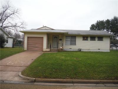 Waco Single Family Home Active Contingent: 1825 Armstrong Drive