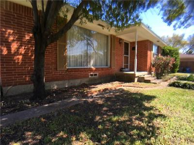 Dallas Single Family Home For Sale: 5812 Elm Lawn Street