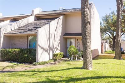 Garland Townhouse Active Option Contract: 514 Arborview Drive