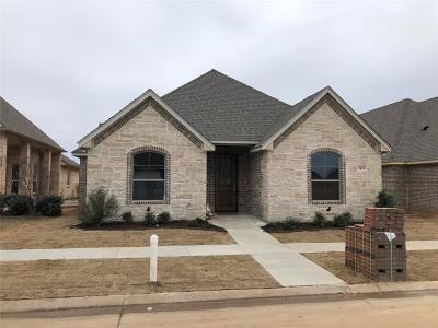 Granbury Townhouse For Sale: 3418 Fountain Way