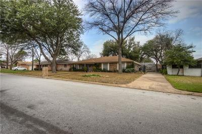 Hurst Single Family Home For Sale: 304 Circleview Drive S