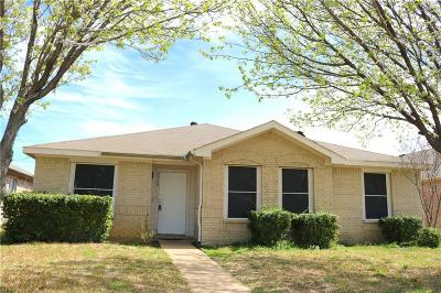 Lancaster Single Family Home For Sale: 2958 Marquis Lane