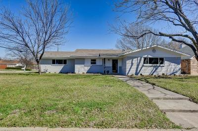 Benbrook Single Family Home For Sale: 1201 Cozby Street W