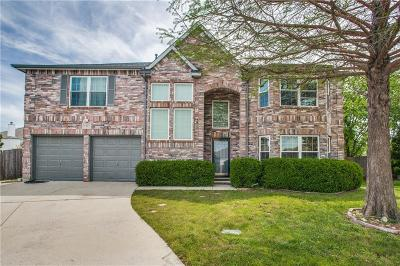 Fort Worth Single Family Home For Sale: 8325 Rocky Court