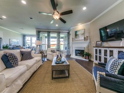 Fort Worth Single Family Home For Sale: 2411 Portwood Way