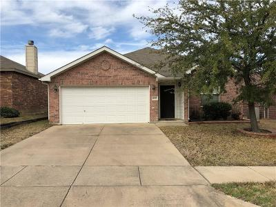 Fort Worth Single Family Home Active Option Contract: 4933 Stirrup Way
