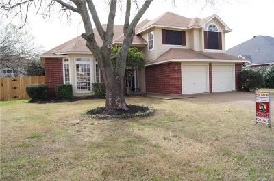Hurst Single Family Home For Sale: 809 Crystal Lane