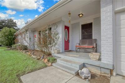 Benbrook Single Family Home For Sale: 1106 Warden Street