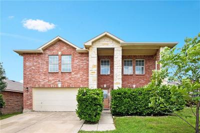 Fort Worth Single Family Home For Sale: 16729 Woodside Drive