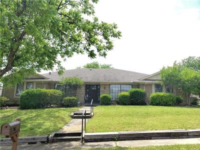 Garland Single Family Home For Sale: 3213 Oak Hill Drive