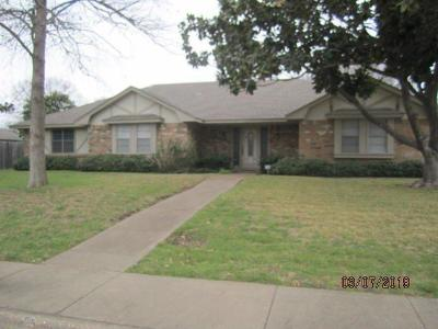 Desoto Single Family Home For Sale: 1025 Cloverdale Lane