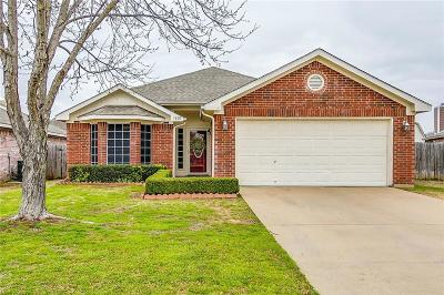 Burleson Single Family Home Active Kick Out: 1010 Darren Drive