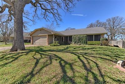 Hurst Single Family Home For Sale: 3017 Oak Ridge Drive