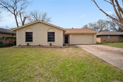 Grand Prairie Single Family Home For Sale: 2229 Avenue B